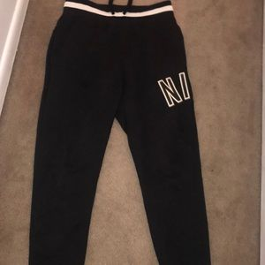 NIKE SWEAT SUIT SIZE Medium men